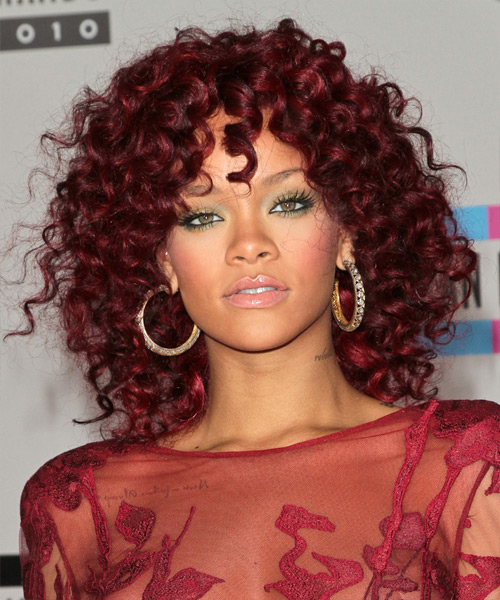 I am a HUUUUGE fan of Rihanna, She is one of my