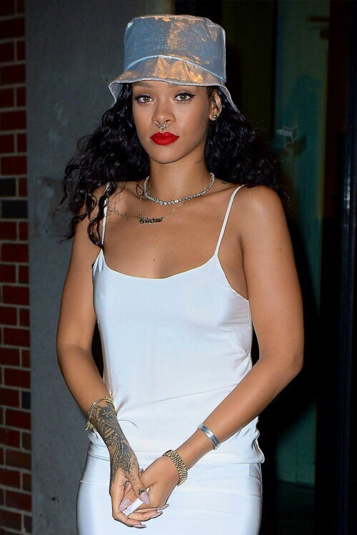 Rihanna piercing septum new style bucket hat tattoo rihanna curly hair rihanna red lip